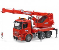 Mercedes Benz Arocs vrachtwagen met kraan 1