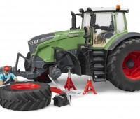 Fendt 1050 tractor met monteur 1