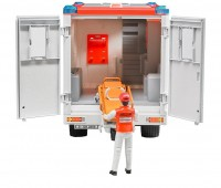 Ambulance met broeder 3