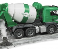 MAN TGS vrachtwagen met betonmixer 2