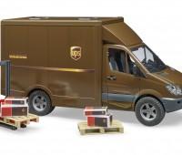 MB UPS transporter met bezorger 2