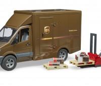 MB UPS transporter met bezorger 1