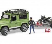 Land Rover met aanhanger en Ducati motor 3