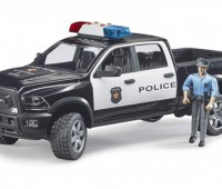RAM 2500 Dodge Power Wagon politie pick-up met agent 1