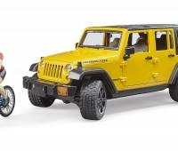 Jeep Wrangler Rubicon Unlimited met mountainbiker 1
