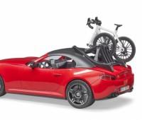 Roadster met wielrenner 1