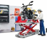 Werkplaats voor motoren met Ducati Scrambler 1