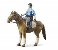 Politieman met paard 3