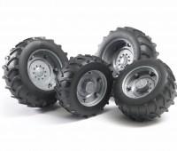 Vier zilverkleurige tractorbanden 2000 serie 1