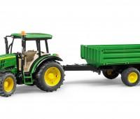 John Deere 5115 M tractor met kipper 1
