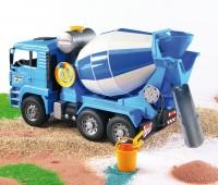 MAN vrachtwagen met betonmixer 1