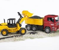 MAN vrachtwagen met Fiat shovel 1