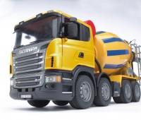 Scania R-serie vrachtwagen met betonmixer  1