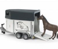 Paardentrailer met paard 3