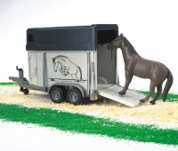 Paardentrailer met paard 1
