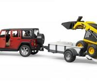 Jeep met aanhanger en CAT minishovel 2