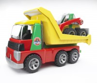 Transport vrachtwagen en minishovel 1