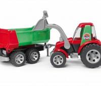 Tractor met voorlader en kipper aanhanger 1