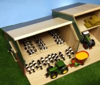 Koeienstal met schuur en hooizolder 2