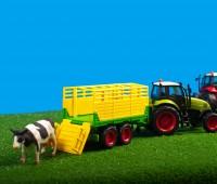 Set van groene tractor met gele veewagen 1