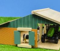 Set van een open stal, 3 koeien en een tractor 2
