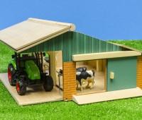 Set van een open stal, 3 koeien en een tractor 3