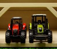 Houten schuur voor 6 tractoren 3