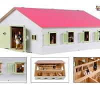 Roze paardenstal met 7 boxen 1