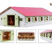 Roze paardenstal met 9 boxen 1