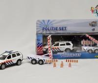 Politieauto Volvo C90 met bebakeningswagen  2