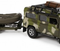 Leger Land Rover met aanhanger en boot 1