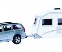 Grijze Volvo V70 met caravan 1