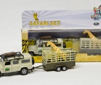 Safari Land Rover Defender met giraffes en giraffetrailer 1