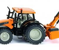 Valtra Tractor met Kuhn bermmaaier 2