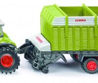 Claas Axion tractor met laadwagen 1
