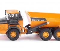 John Deere Dumper 1