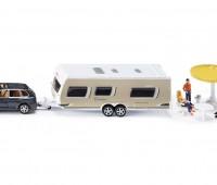 Porsche Cayenne Turbo en Dethleffs caravan 1