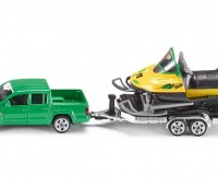 VW Amarok met trailer en sneeuwscooter 1