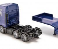 MAN vrachtwagen met JCB wiellader en dieplader 2