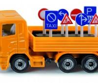 Vrachtwagen met verkeersborden 1