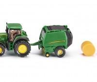 John Deere tractor met balenpers 1