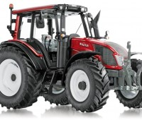 Valtra N143 tractor 1