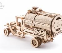 Truck UGM met tank modelbouw 1