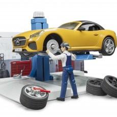 Automonteur en werkplaats