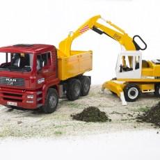 MAN vrachtwagen met Liebherr graafmachine