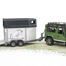 Land Rover Defender met paardentrailer