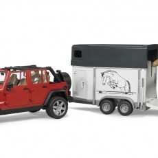 Jeep met paardentrailer en paard