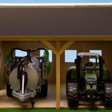 Houten schuur voor 2 tractoren