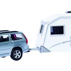 Grijze Volvo V70 met caravan