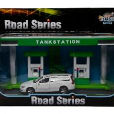 Tankstation met Volvo V70 (groen/wit)
